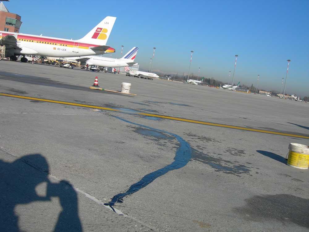 Sigillatura pista - Aeroporto Marco Polo Venezia